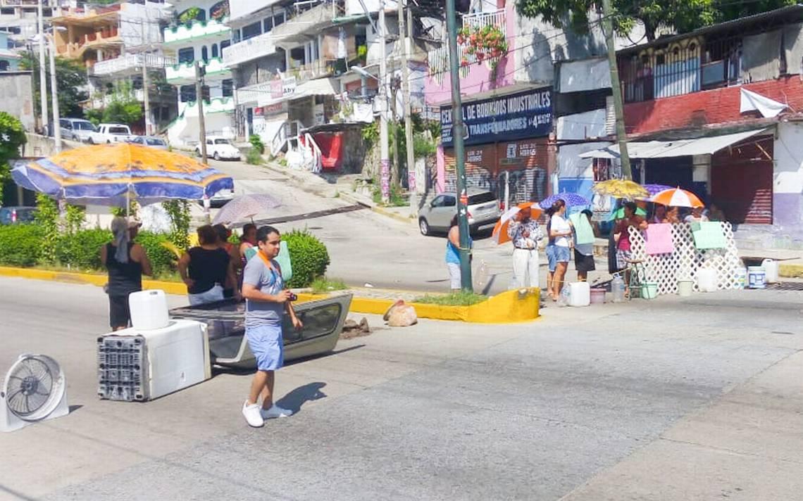 Bloquean la avenida Adolfo Ruiz Cortines - El Sol de Acapulco