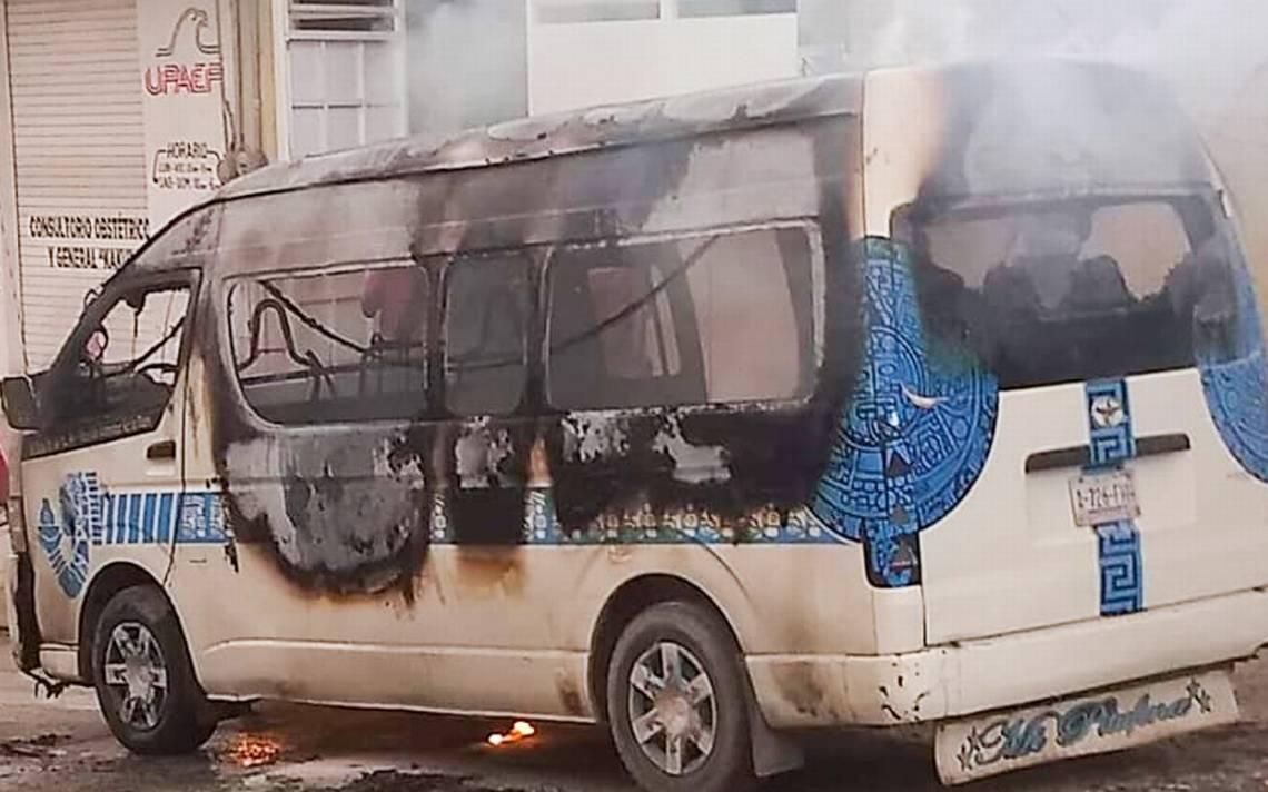 Incendian dos unidades del servicio público en Tlapa de Comonfort - El Sol de Acapulco